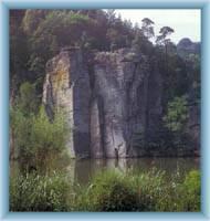 Felsen über Věžák