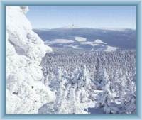 Blick vom Berg Vozka auf den Berg Praděd