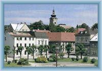 Stadtplatz in Nové Město pod Smrkem