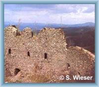 Die Burgruine auf dem Berg Andělská Hora