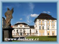 Duchcov - Schloss mit Kirche Zvěstování P. Marie