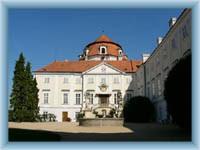 Schloss Vranov nad Dyjí - Hofplatz