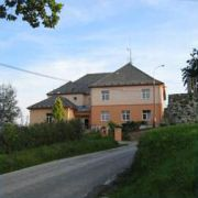 Appartementhaus Obecná škola
