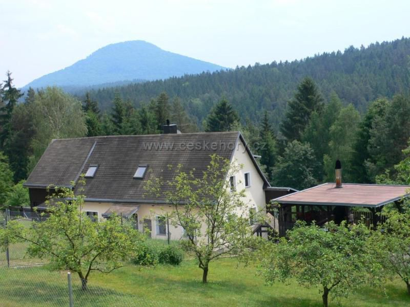 Trixi's Guesthouse - Mezná 46
