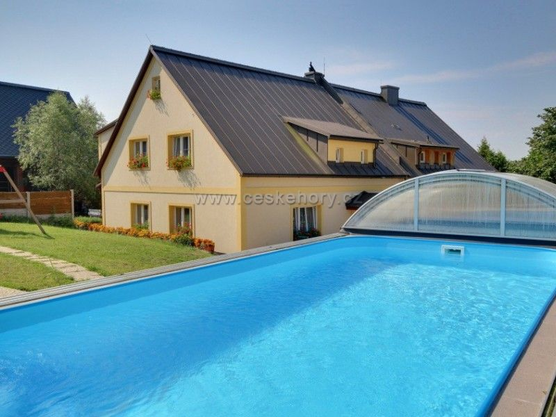 Biofarm Pod Hájkem - Areal mit Hütte und Pension