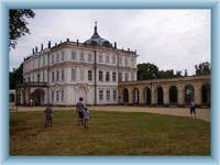Ploskovice - Schloss